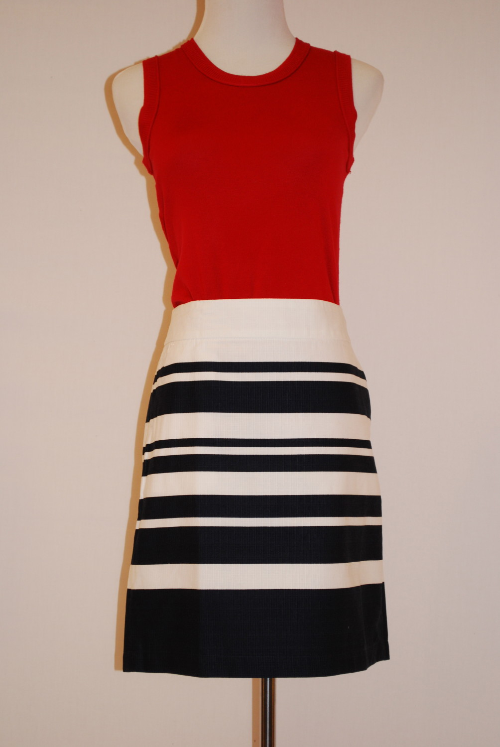 Tommy Hilfiger Skirt – Original Retail: $69.50, WHS: $15
