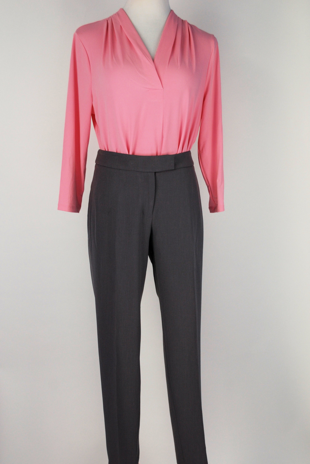 Anne Klein Pants – Original Retail: $89, CWS: $20
