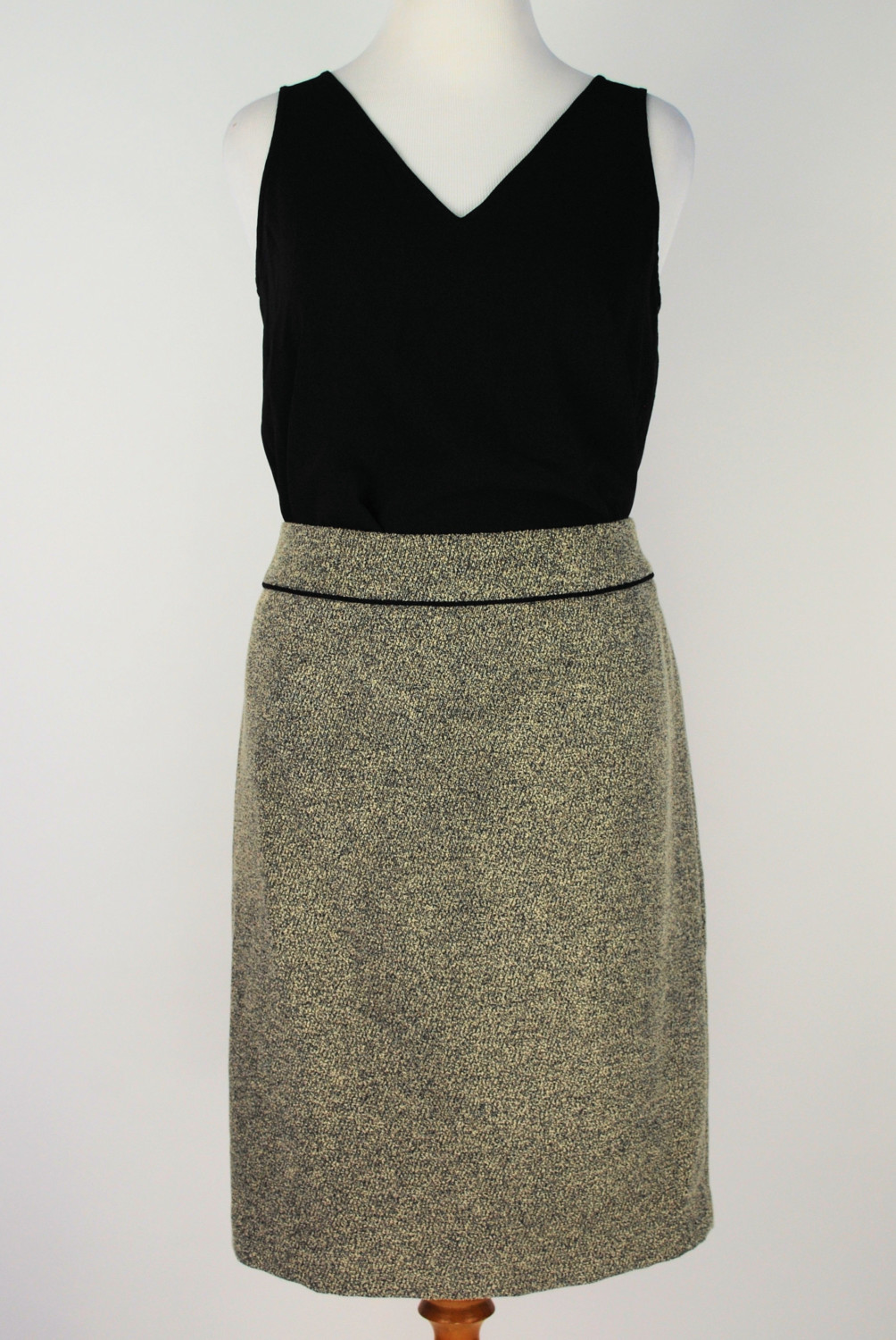 Kasper Skirt – Original Retail: $79, CWS: $20